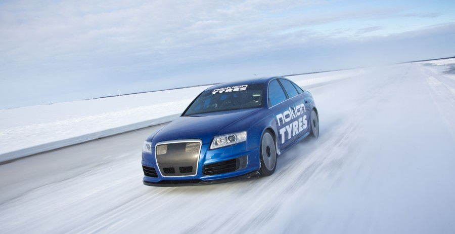 RS6 Fastest on Ice - New World Record 335.713 km/h